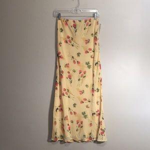 NWT Harolds long skirt, light yellow w/ dark pink